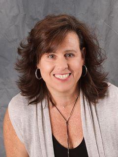 Sandra Vargas - Real Estate Agent