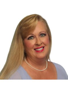 Carrie Vigliotti - Real Estate Agent