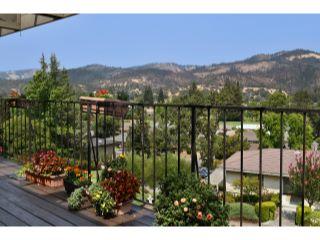 465 Hillsdale Drive,  Santa Rosa, CA 95409