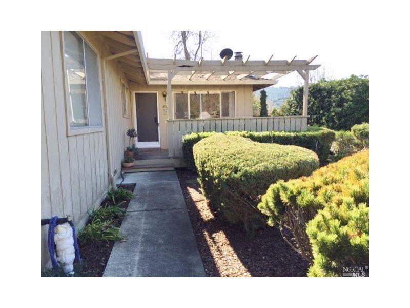 8941 Oak Trail Drive,  Santa Rosa, CA 95409
