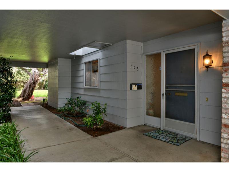 195 White Oak Drive,  Santa Rosa, CA 95409