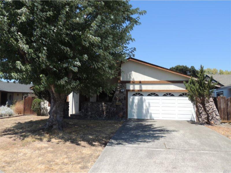 5323 Eunice St.,  Rohnert Park, CA 94928