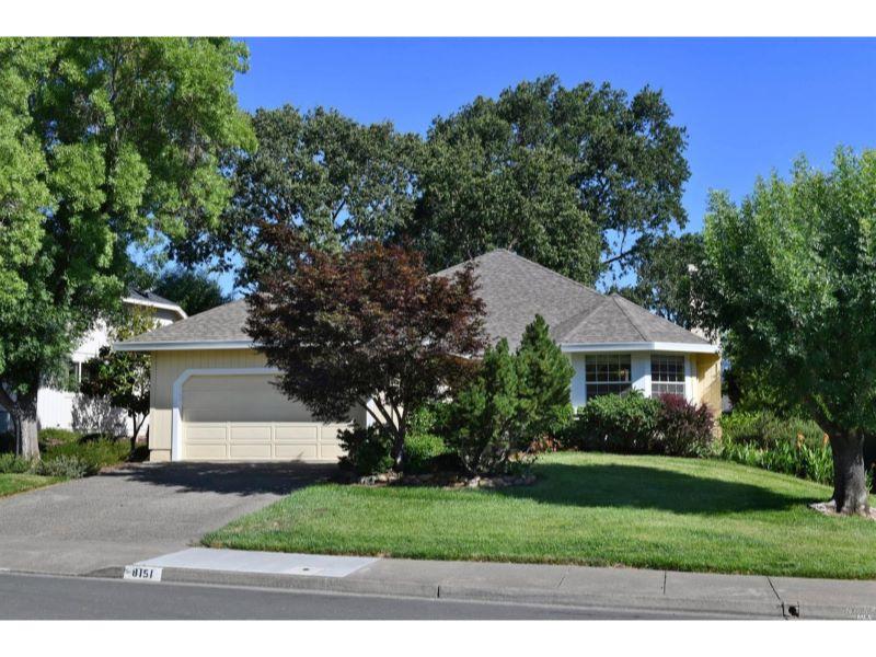 8151 Oakmont Drive,  Santa Rosa, CA 95409