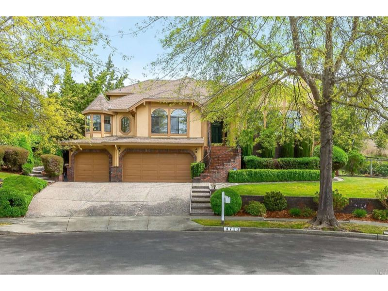 4738 Livingstone Place,  Santa Rosa, CA 954…