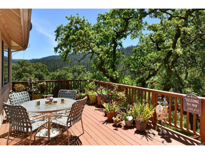 6360 Meadowridge Drive,  Santa Rosa, CA 954…