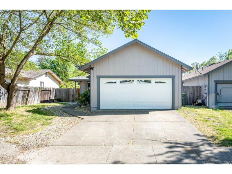 3078 Lamberson Court,  Santa Rosa, CA 95403