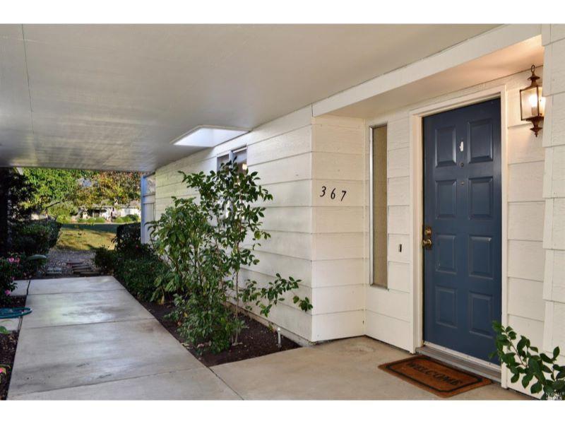 367 Twin Lakes Drive,  Santa Rosa, CA 95409