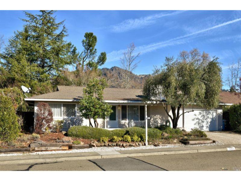 7463 Oak Leaf Drive,  Santa Rosa, CA 95409