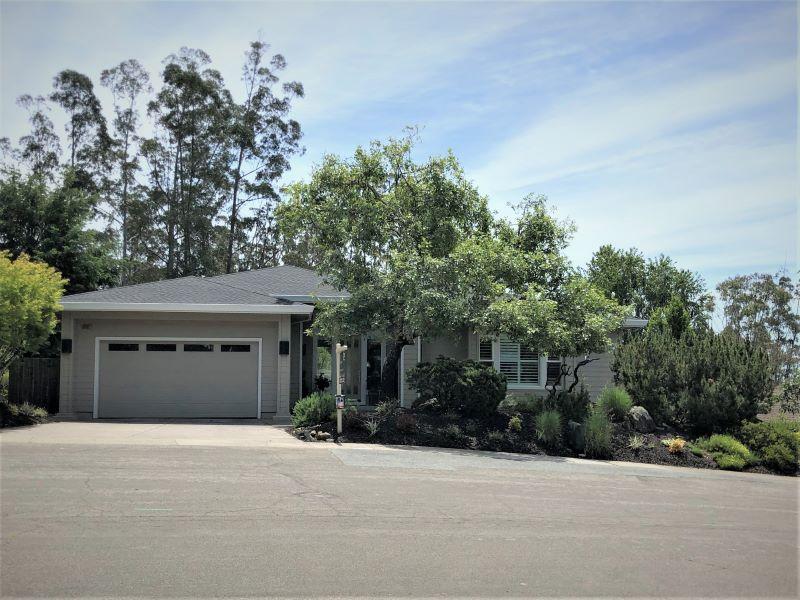 3202 Cobblestone Dr.,  Santa Rosa, CA 95404