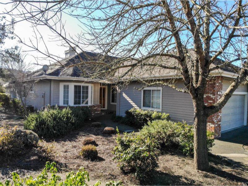 166 White Oak Drive,  Santa Rosa, CA 95409