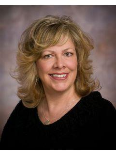 Lynn Stuart - Real Estate Agent