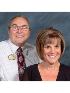 Tri-Star Team of CENTURY 21 Roberts and Andrews