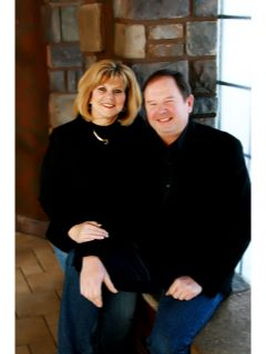 Keith & Brenda McCracken of CENTURY 21 Properties Unlimited
