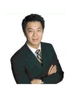 Daniel Cheng of CENTURY 21 Realty Alliance