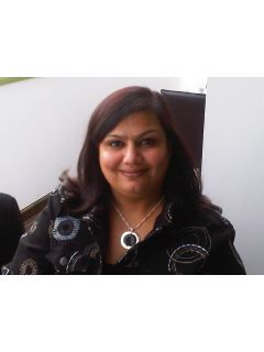 Komal Kataria - Real Estate Agent