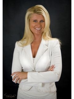 Monica Hammond of CENTURY 21 Les Ryan Realty