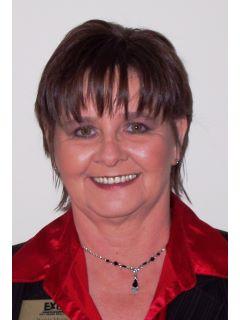 Wanda Myers of CENTURY 21 Home Team