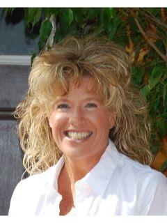 Michelle Kutschat of CENTURY 21 Land of Lakes
