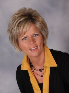Sue Roeckner of CENTURY 21 Master Key Realty
