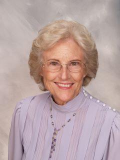 Vicki Mangold of CENTURY 21 Home Realtors