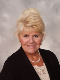 Lynn Bohlander - Real Estate Agent