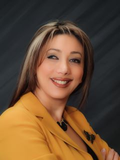 Zahra Zoglauer of CENTURY 21 Commonwealth