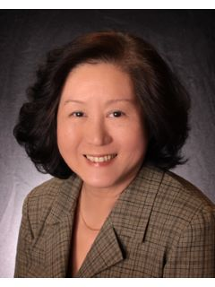 Rosario Wong of CENTURY 21 Realty Alliance