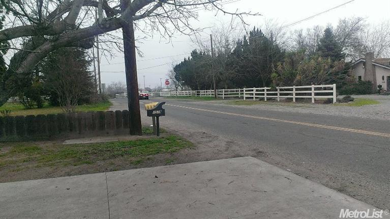 1519 E Linwood Ave, Turlock, CA 95380