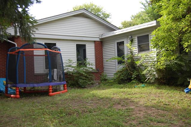 37534 N Dilleys Rd, Wadsworth, IL 60083