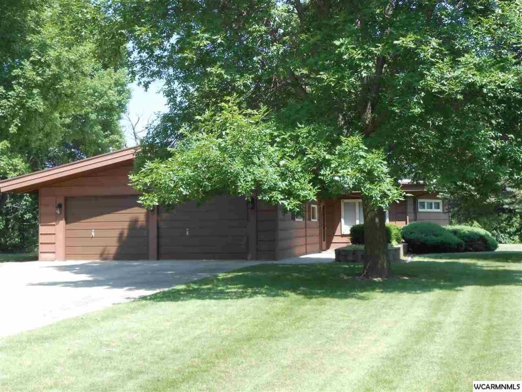 1014  Highland Drive, Blue Earth, MN 56013