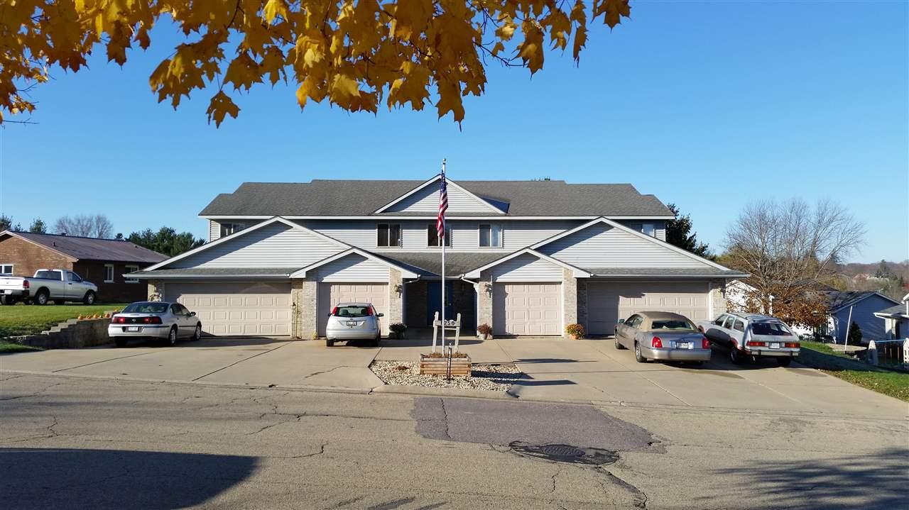 1250  Plainview Rd, Plain, WI 53577
