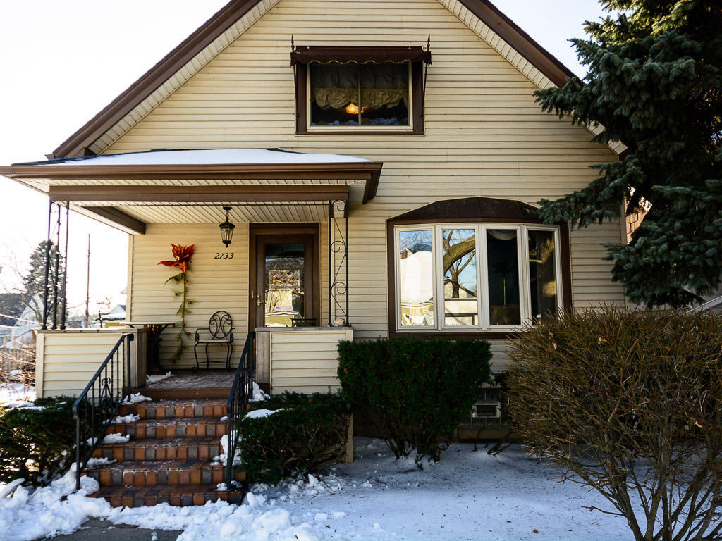 2733 S Wentworth Ave Ave, Milwaukee, WI 53207