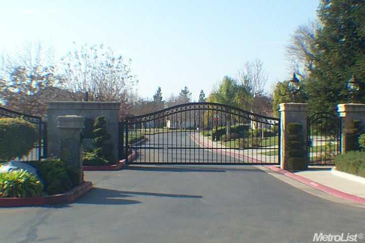 8460  Country Acres Ln, Sacramento, CA 95828