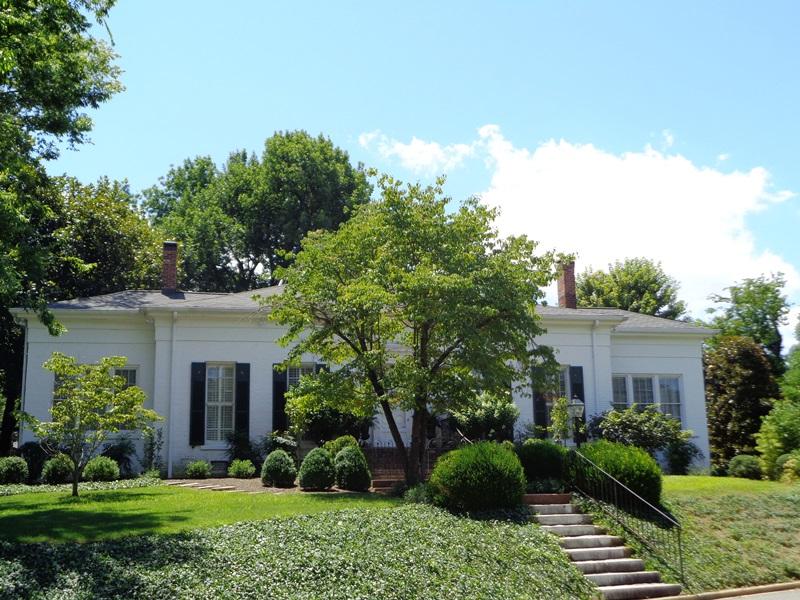203  Cedar Lane, Paducah, KY 42001