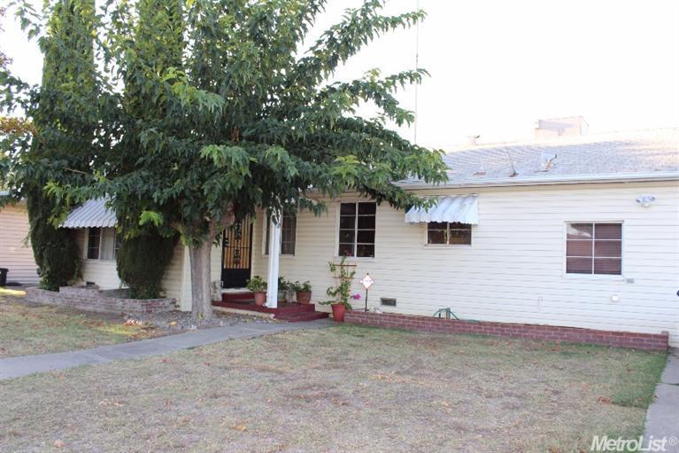 2429 W Monterey Ave, Stockton, CA 95204