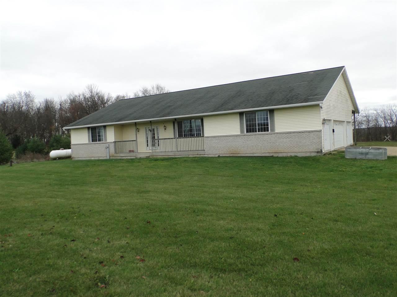 10757  Cedarville, Davis, IL 61019