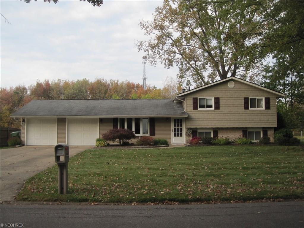6745  Shelly Dr, Madison, Ohio 44057