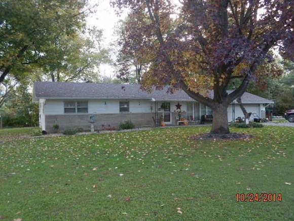 301  Magnolia, Louisville, IL 62858