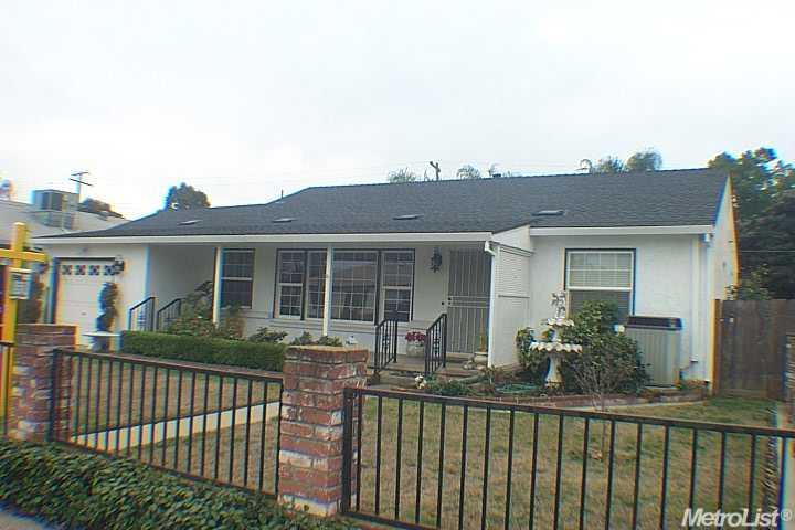 2116  De Ovan Ave, Stockton, CA 95204