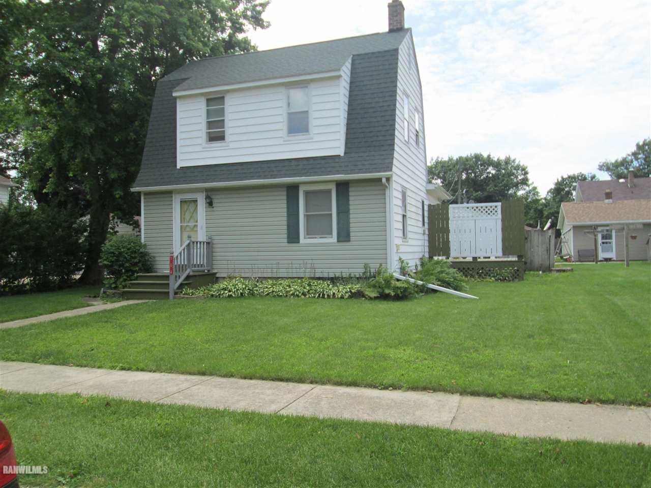104  4th Ave, Forreston, IL 61030