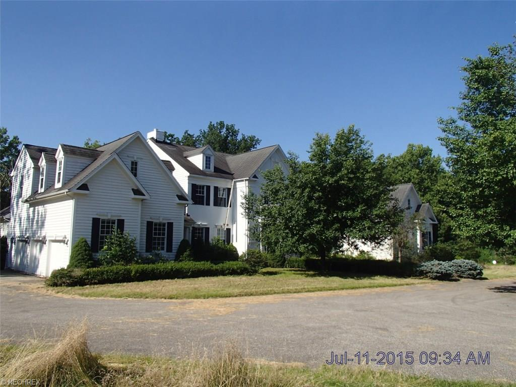 2566  Courtney Trl, Hunting Valley, OH 44022