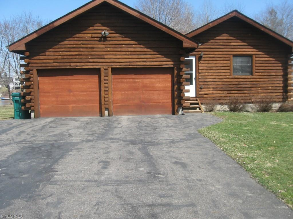 1096  Evening Star Dr, Roaming Shores, Ohio 44085