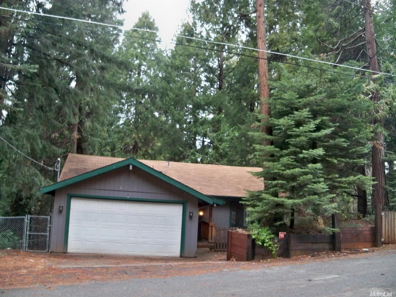 2846 Viona Rd, Pollock Pines, CA 95726