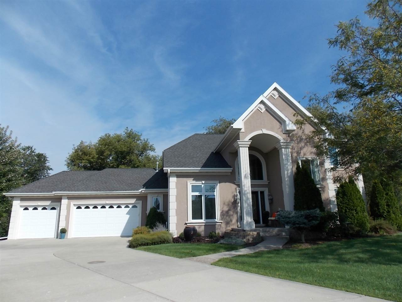 4950  Sumpter Dr, Janesville, WI 53563