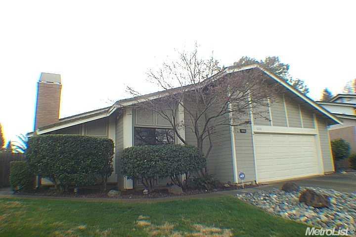 8228 Woodlake Hills Dr, Orangevale, CA 95662