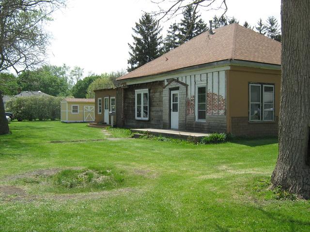260 E Bullard St, Forrest, IL 61741