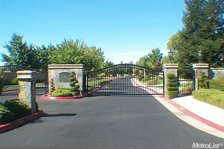 8460  Country Acres Ln, Sacramento, CA 95829