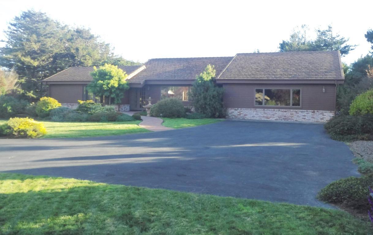31601 E Chestnut St, Fort Bragg, CA 95437