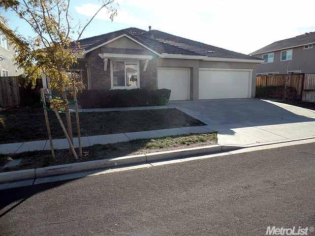 1540  Phlox Dr, Patterson, CA 95363