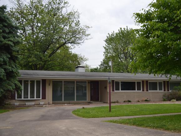 406 S 3rd St, Altamont, IL 62411